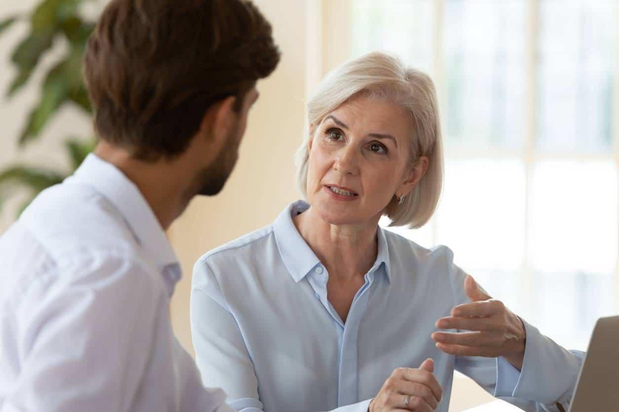 senior en entreprise, une tendance qui gagne du terrain